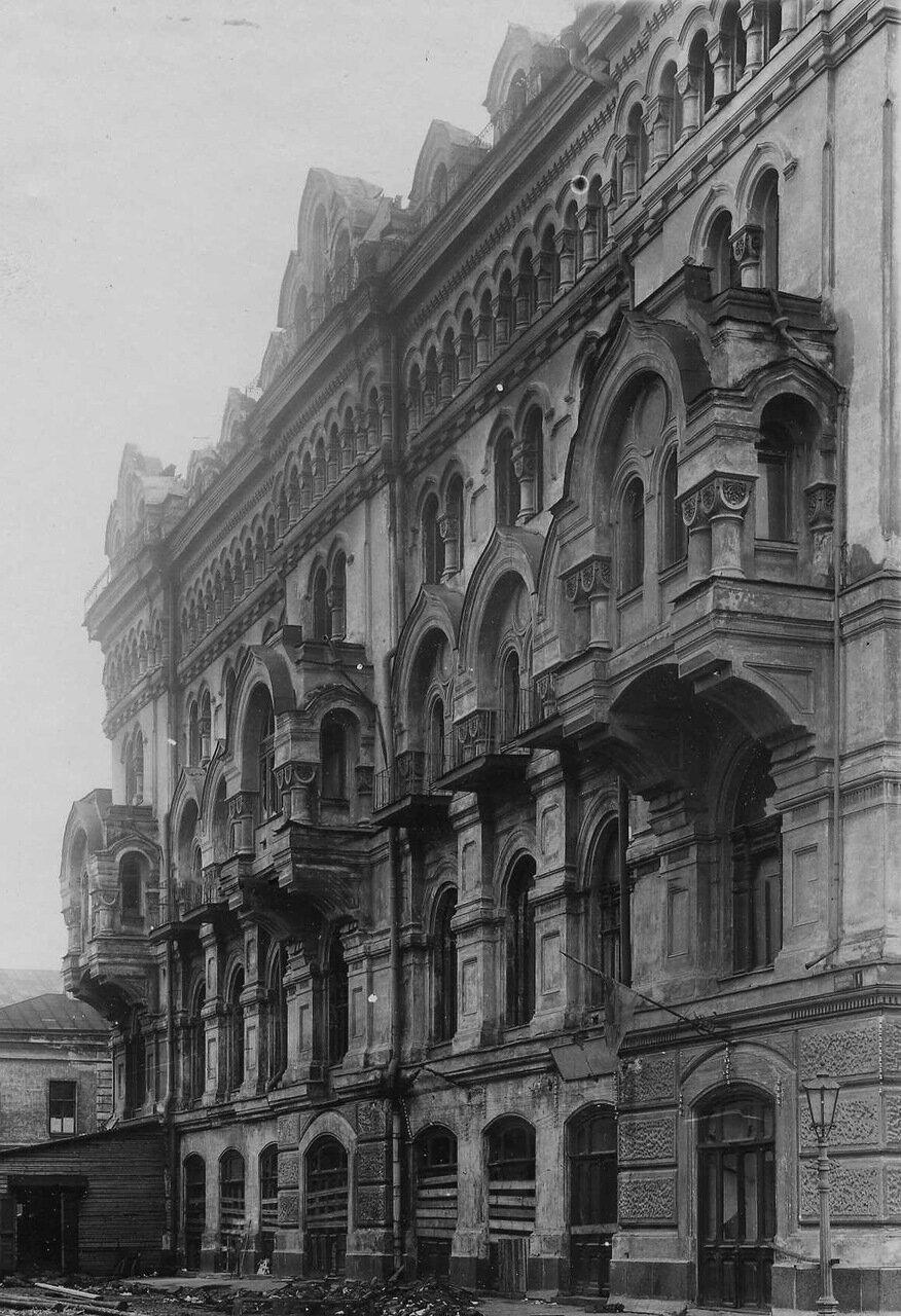 11. Боковой фасад здания театра со стороны Черноморского переулка после пожара