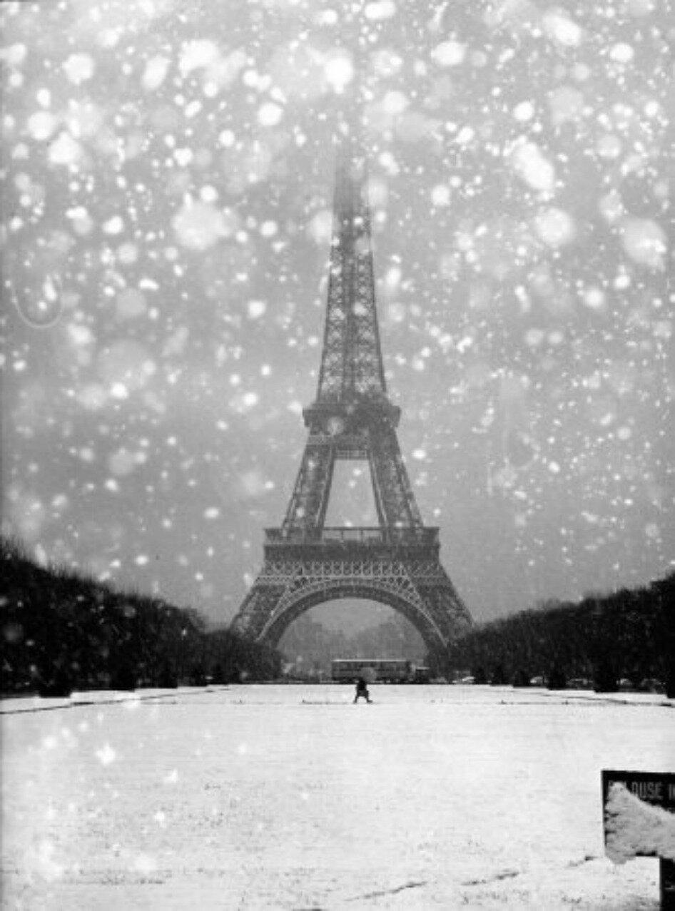 1960. Эйфелева башня в снегу