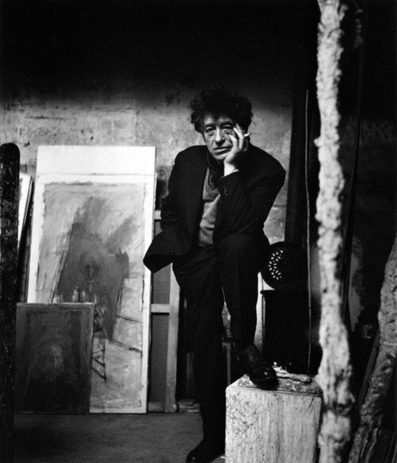 1957. Альберто Джакометти в своей студии
