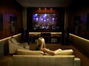 Организовать домашний кинозал можно своими руками