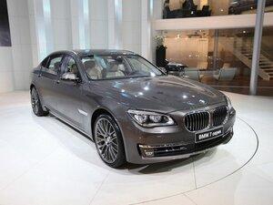 Автоконцерн BMW выпустит новое поколение 7-Series в 2016 году