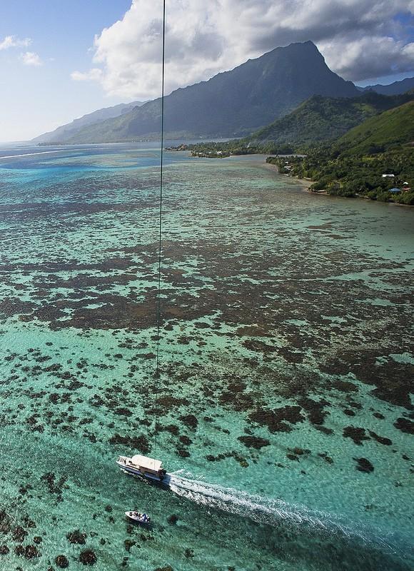 Polinezijskij-raj-s-vysoty-vozdushnogo-zmeya-21-foto