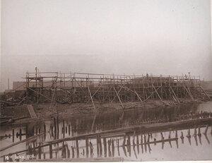 Постройка канонерской лодкиКореец на стапеле Путиловского завода.