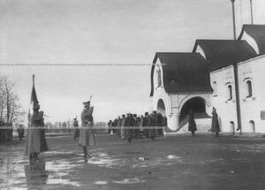 Император Николай II  принимает парад полка в день полкового праздника около Федоровского собора иконы Божией Матери.