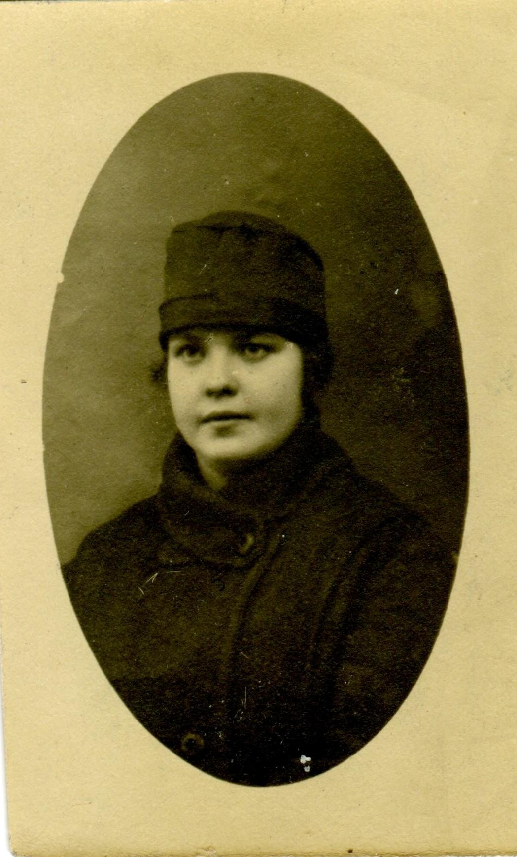 1922 1215 Клавдия лиц001.jpg
