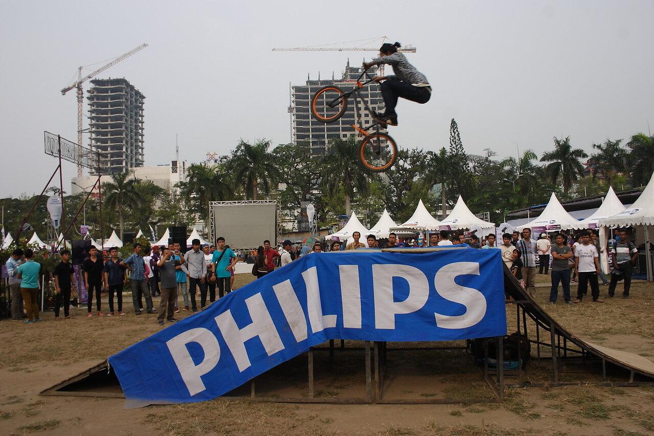 Велосипед в воздухе
