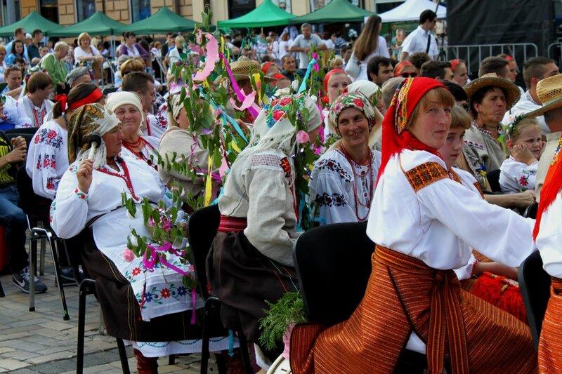 Фольклорные украинские коллективы