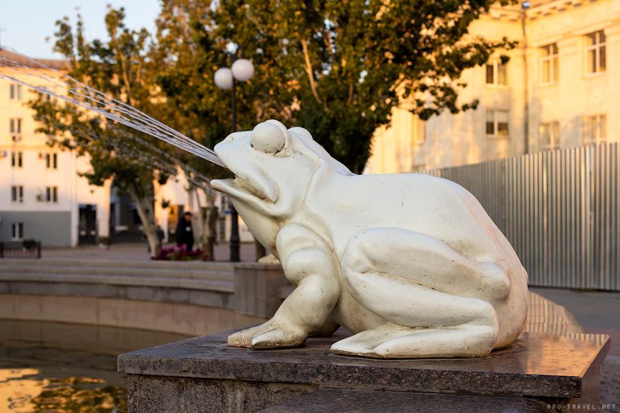 Волгоград, фонтан у вокзала, детский хоровод
