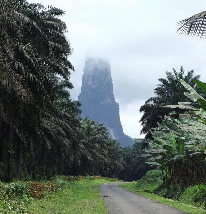 Пик Великой Собаки. Сан-Томе и Принсипи