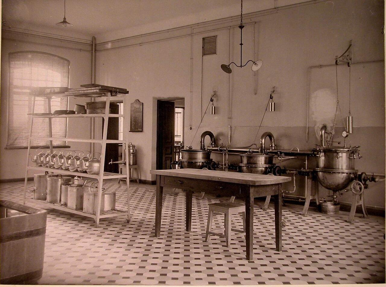 20. Вид части помещения кухни дома призрения для увечных воинов
