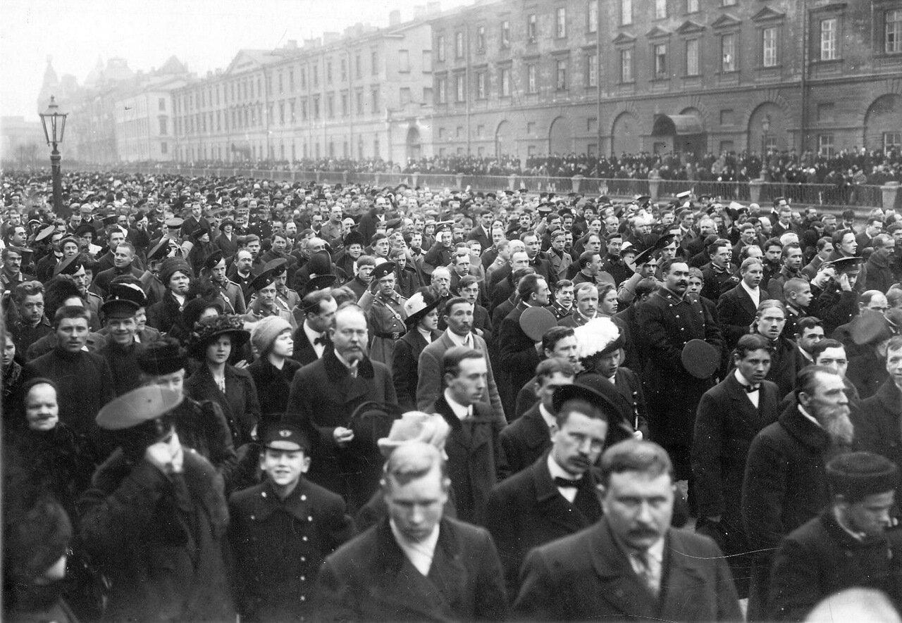 14. Участники манифестации на набережной Екатерининского канала