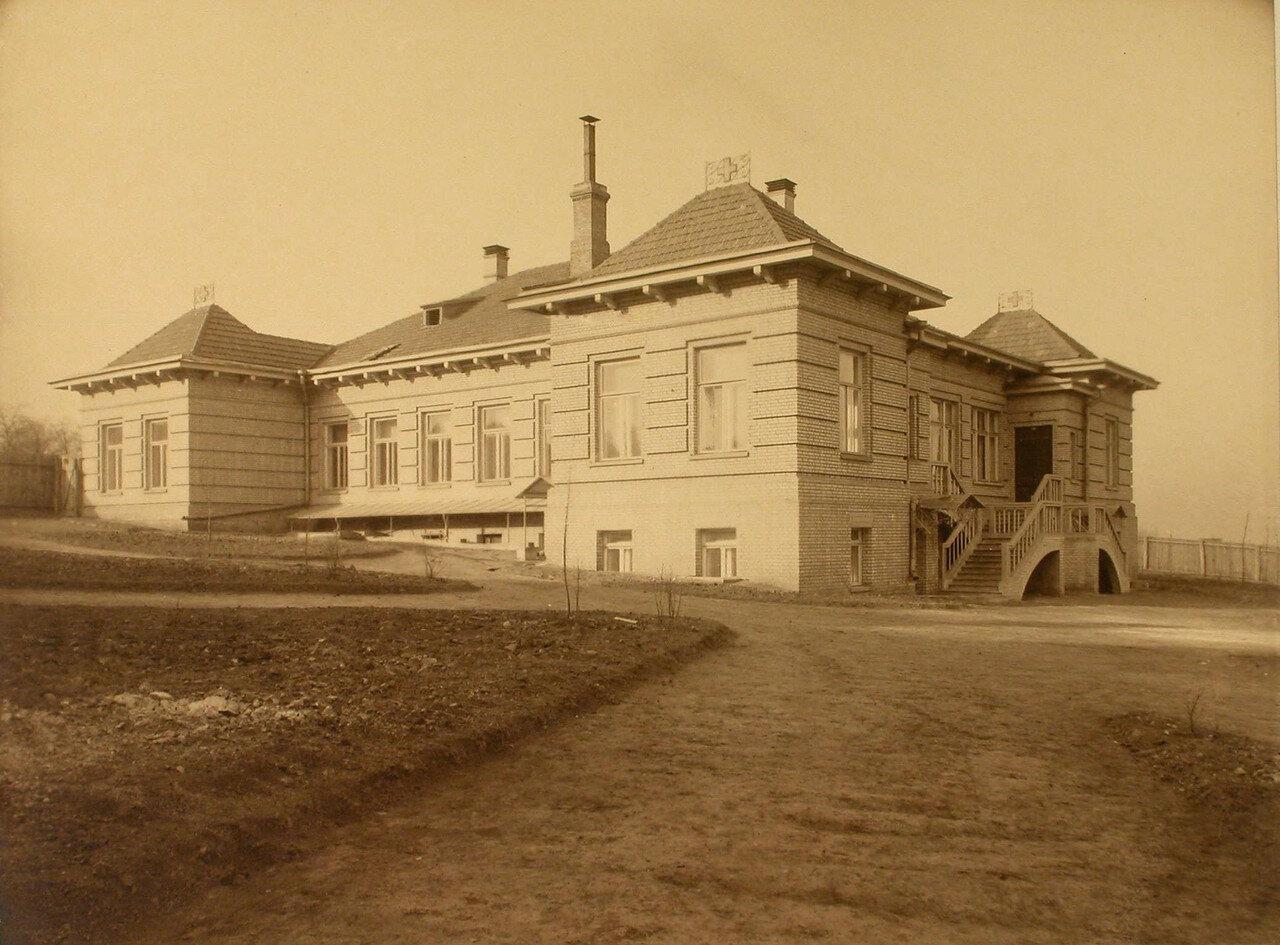 10. Вид здания, где находилось инфекционное отделение общины