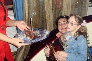 В интернет попали снимки больной дочери Лолиты Милявской
