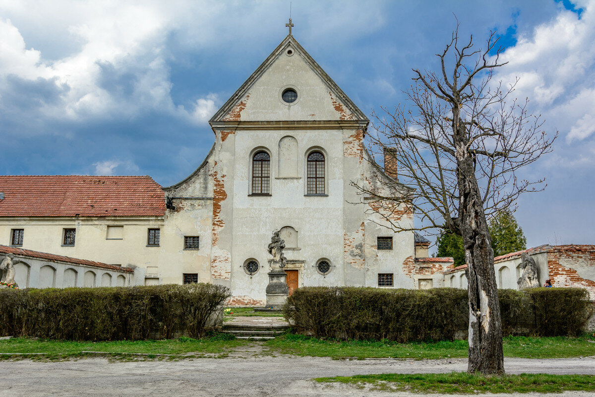 Монастырь капуцинов в Олеско