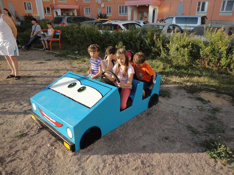 машинка для детской площадки своими рука