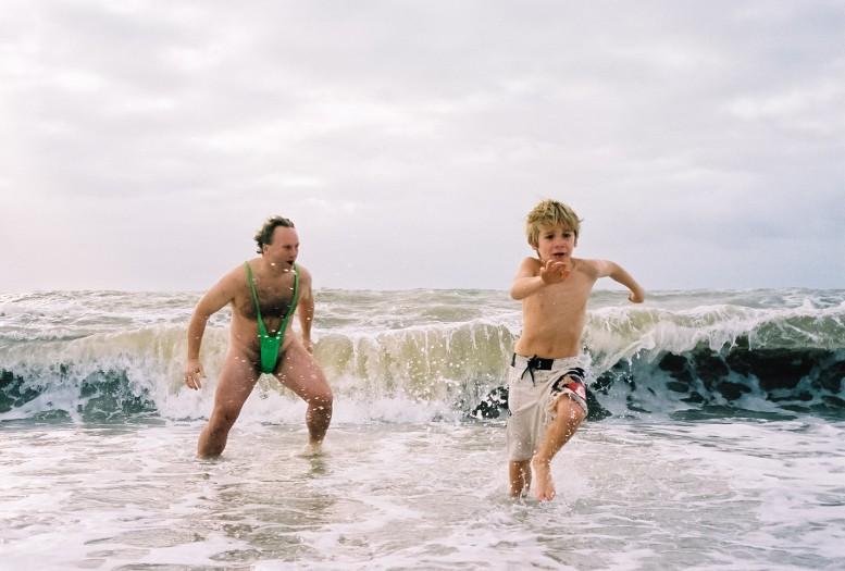 гомосексуалист в воде