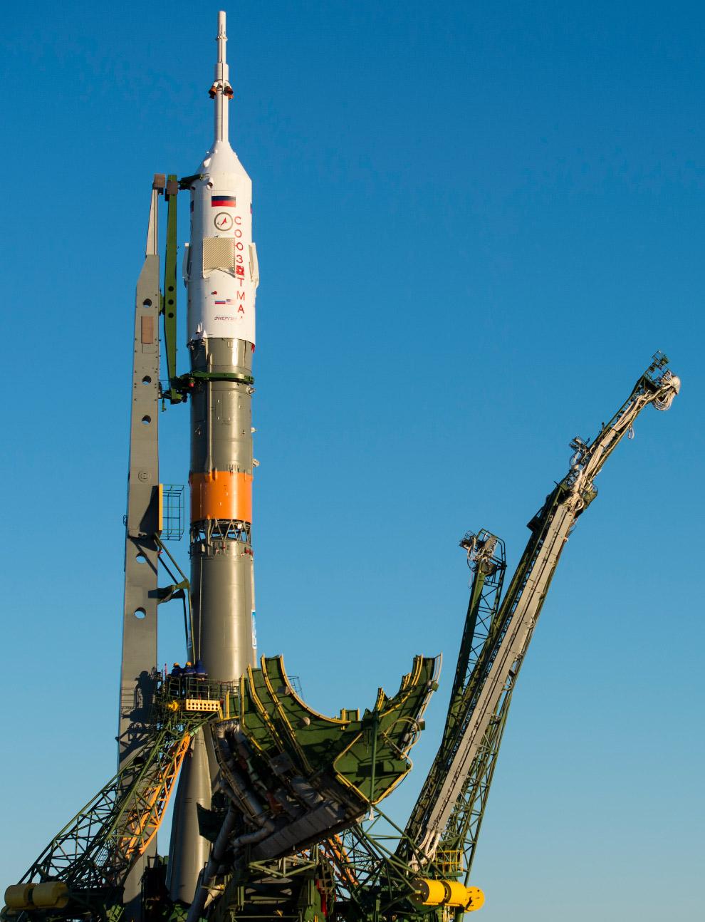 9. Космический корабль «Союз ТМА-19М», Байконур, 13 декабря 2015. (Фото NASA | Joel Kowsky):<br