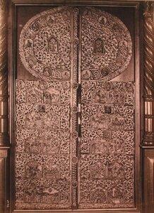 Вид деревянных резных царских врат церкви Вознесения. Ярославская губ.
