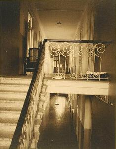 Вид парадной лестницы лазарета