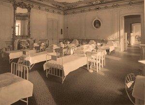 Вид части палаты № 2 в помещении госпиталя.