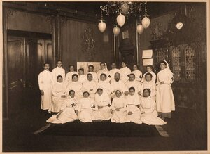 Группа медицинского персонала госпиталя.