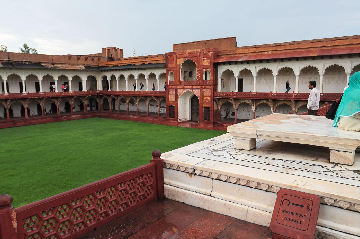 Фото 6. Диван-и-Хас с тронным местом. Поездки по Индии.