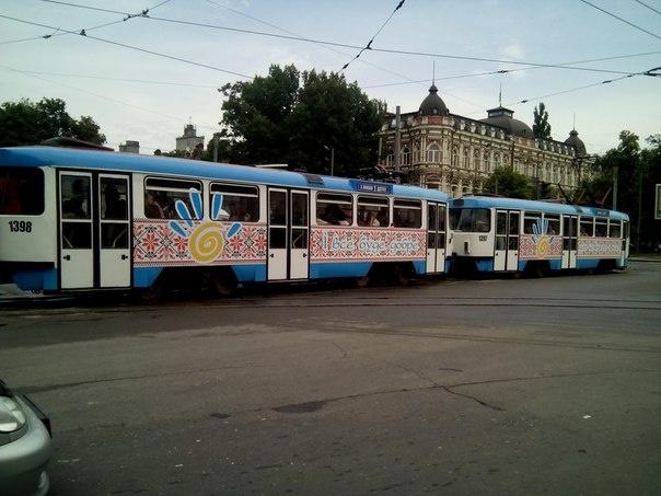 Оптимистичный трамвай в Днепропетровске