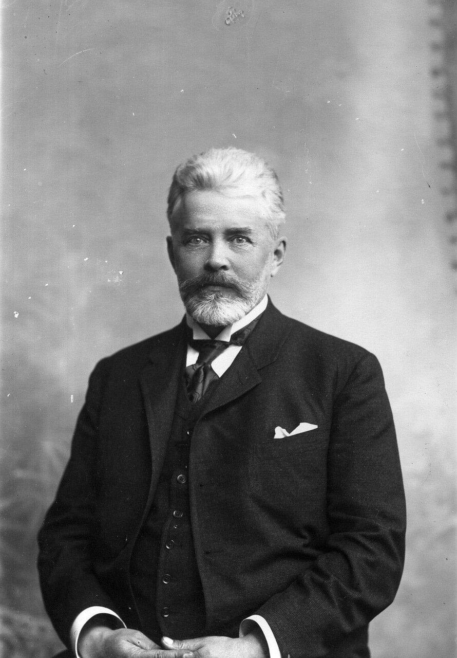 01. Качалов Н.Н. - директор института (1895-1905)
