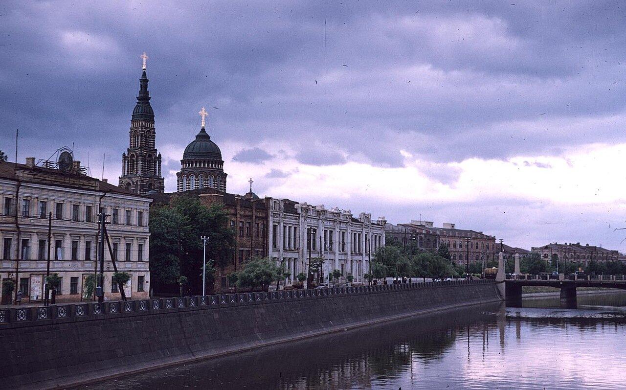 Вид Благовещенского собора с берегов реки Харьков
