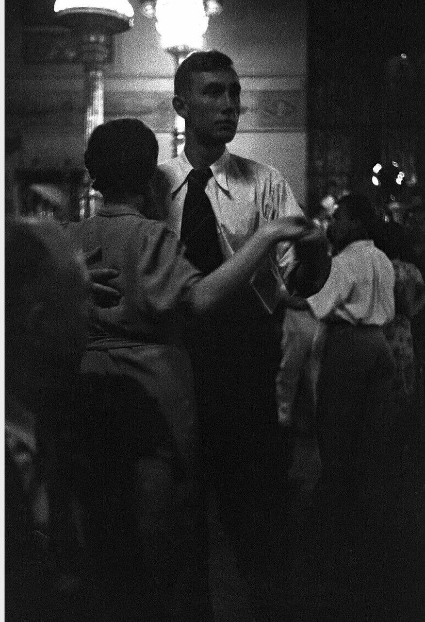 22. Метрополь. Танцующие пары в ресторане гостиницы