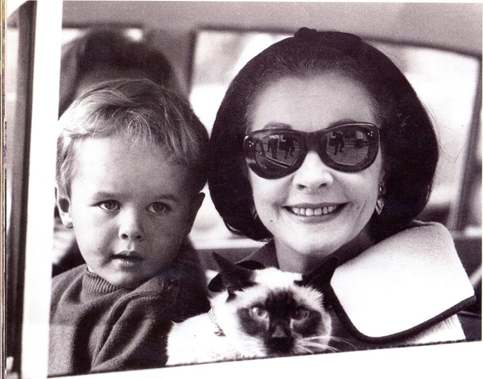 Вивьен Ли: храбрая Скарлетт и ее дочь Сюзанна Блогер
