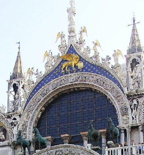 Венеция.Квадрига над входом в собор