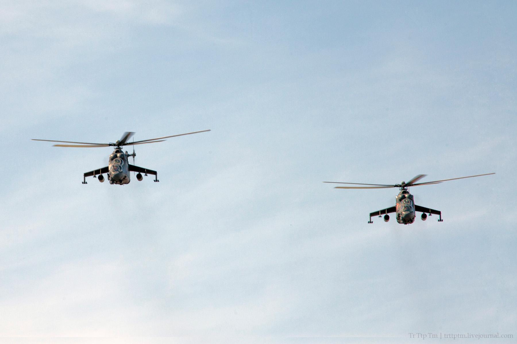 4. Военная авиация над Маркизовой лужей.