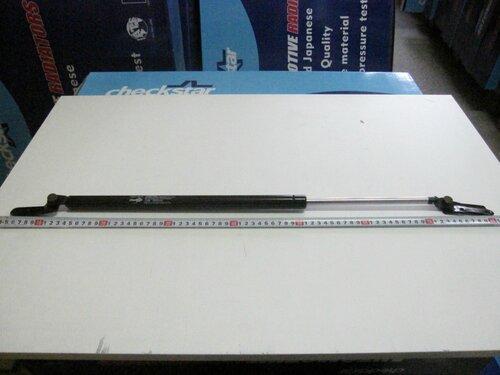 Амортизатор багажника Toyota Estima-Emina-Lusida-Previa 90-00 (R)