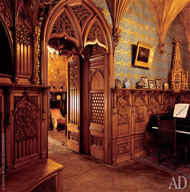Музыкальная комната в музее-квартире К.Р. оформлена в готическом стиле
