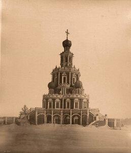 Вид на церковь Покрова Пресвятой Богородицы в Филях (построена в 1690-1693 гг.).