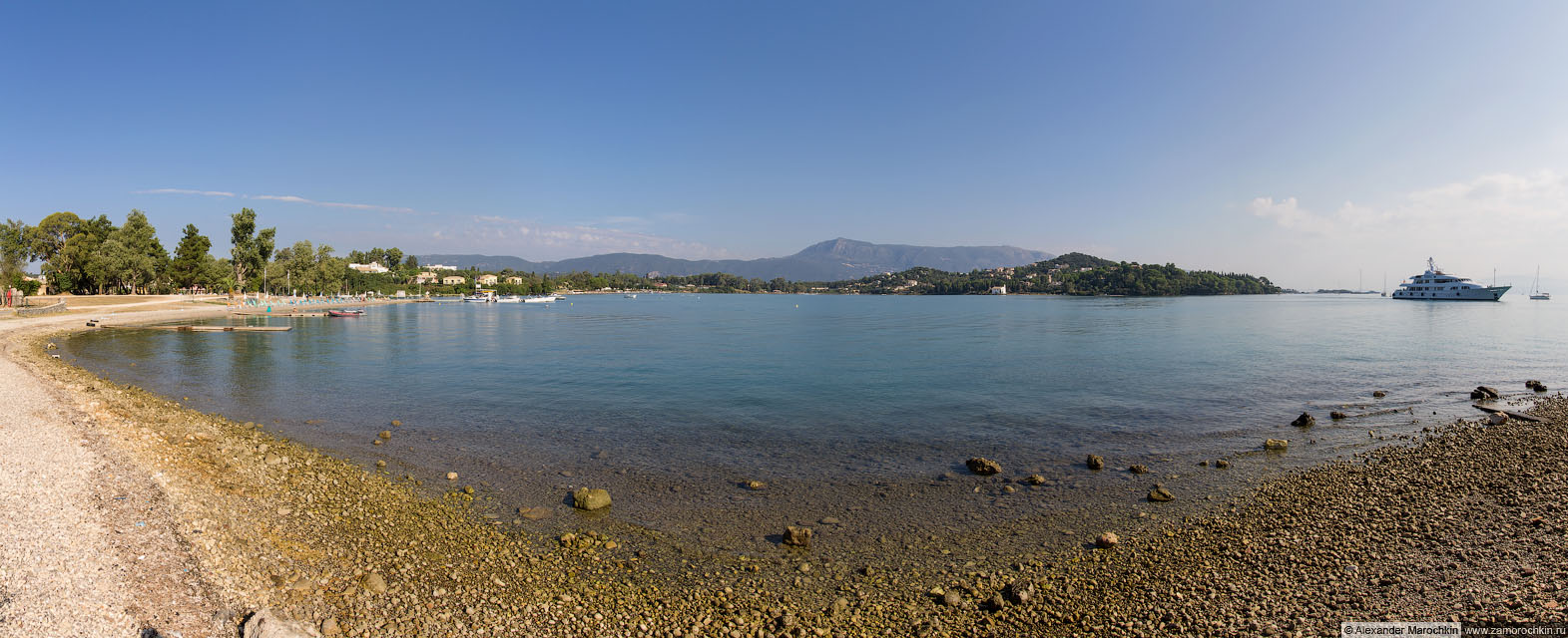 Гувия, Корфу. Панорама северной части бухты