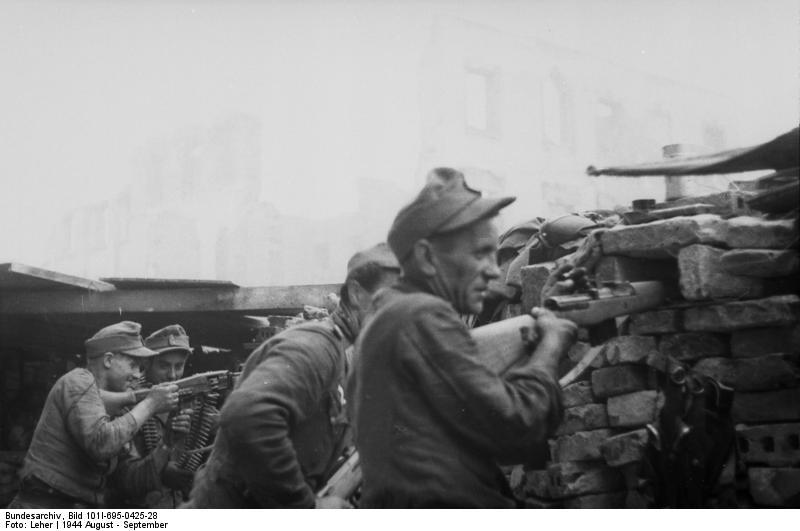 Warschauer Aufstand, Soldaten in Deckung