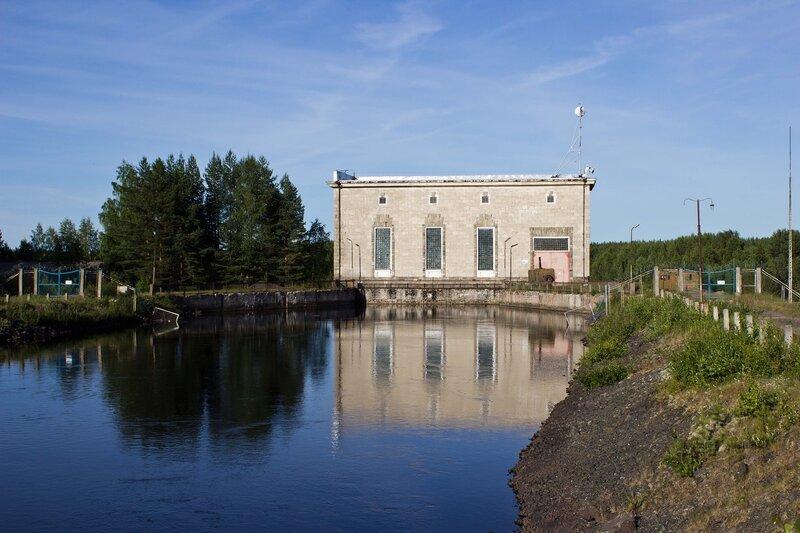Пальеозерская ГЭС в пос. Гирвас