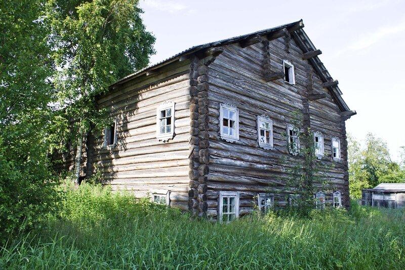 старый дом в деревне Фоминнаволок