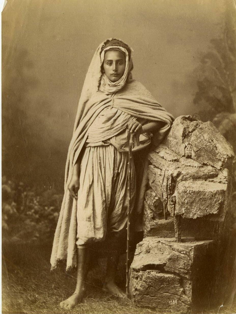 1875. Портрет молодой кабилки