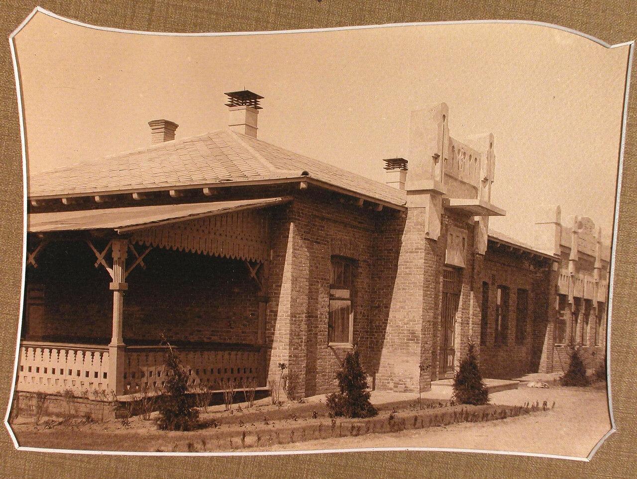 Вид здания детского сада, открытого при училище