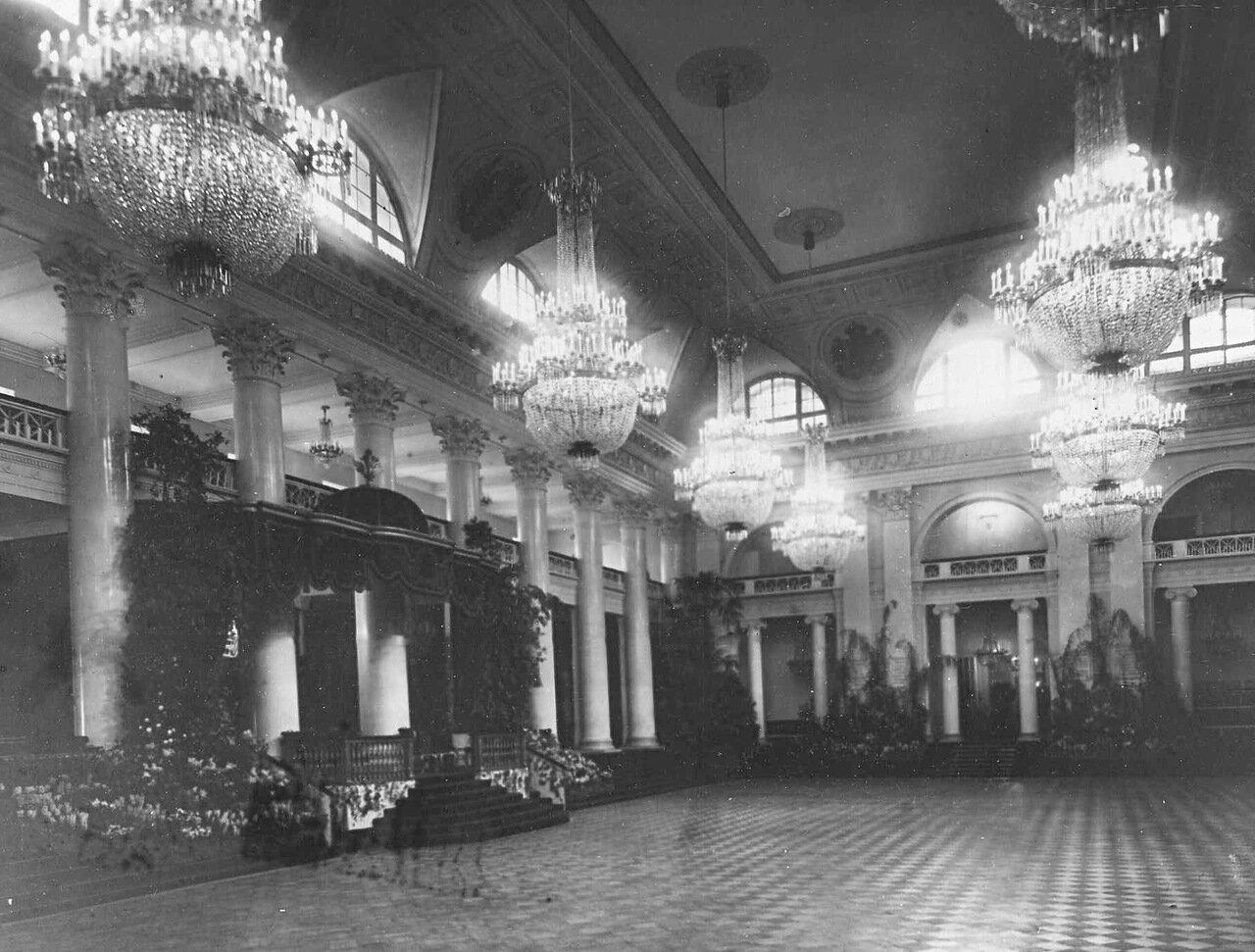 09. Зал Дворянского собрания.  1914
