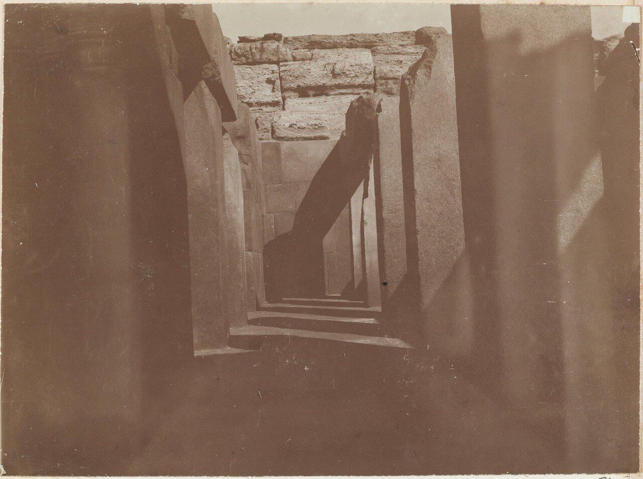 Храм Сфинкса,1898 (похоже на Карнак)