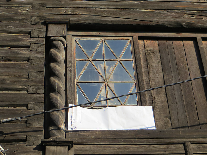 Выдержит ли грядущую зиму этот дом в Историческом квартале Красноярска? (фото: Александр Колотов)