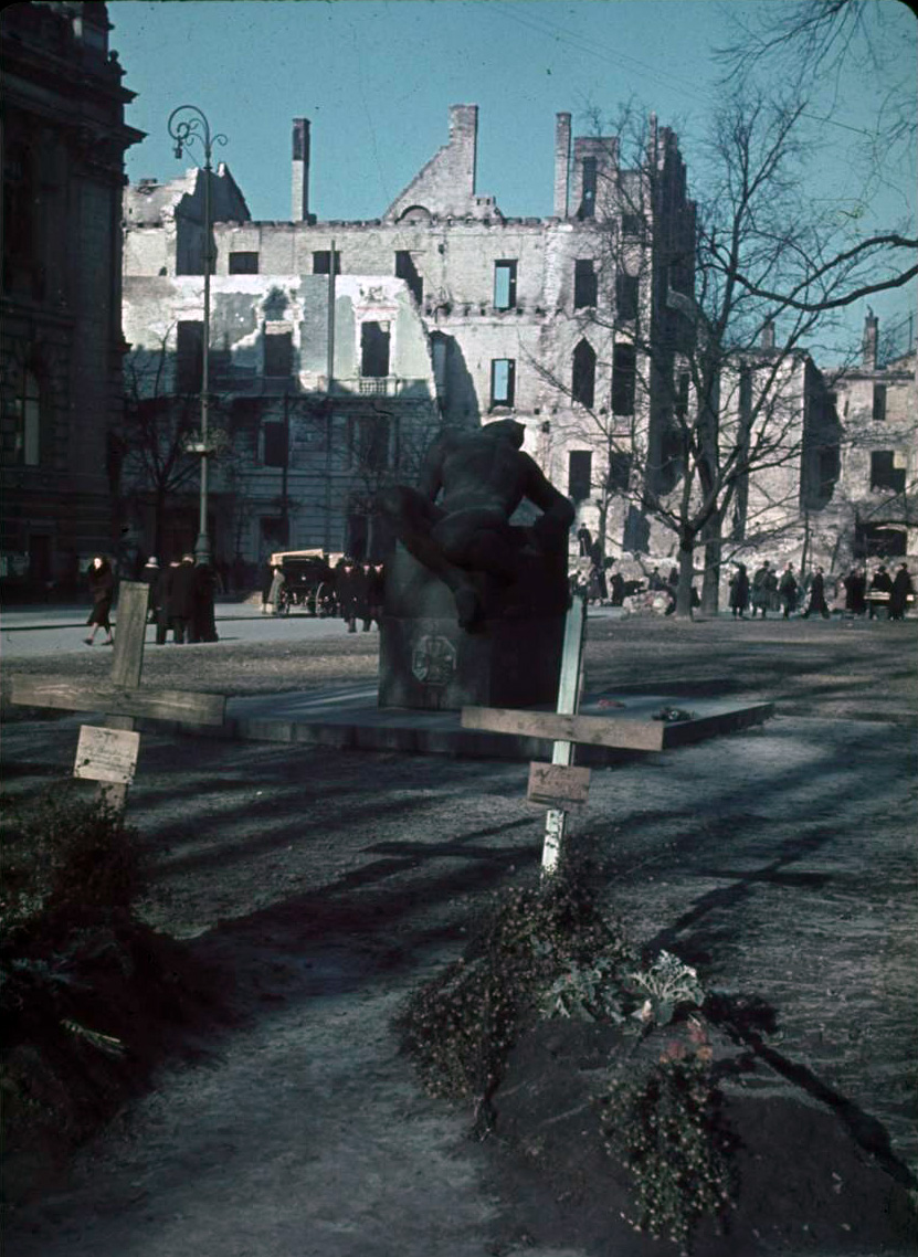 1939 october Warsaw.jpg