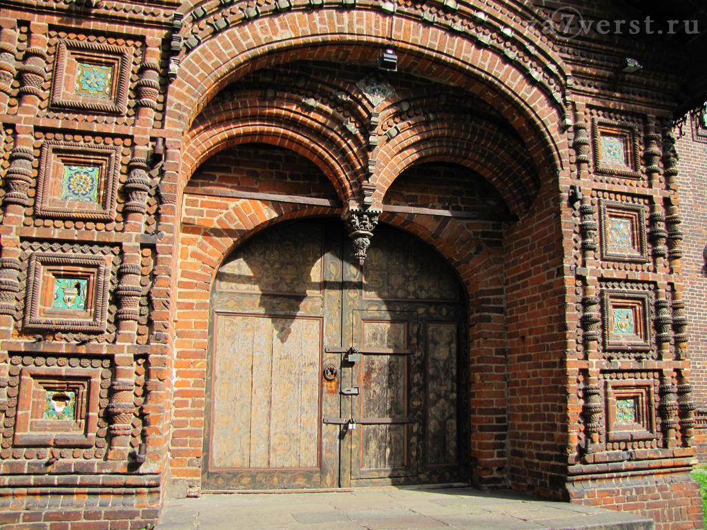 Портал храма Иоанна Предтечи в Ярославле