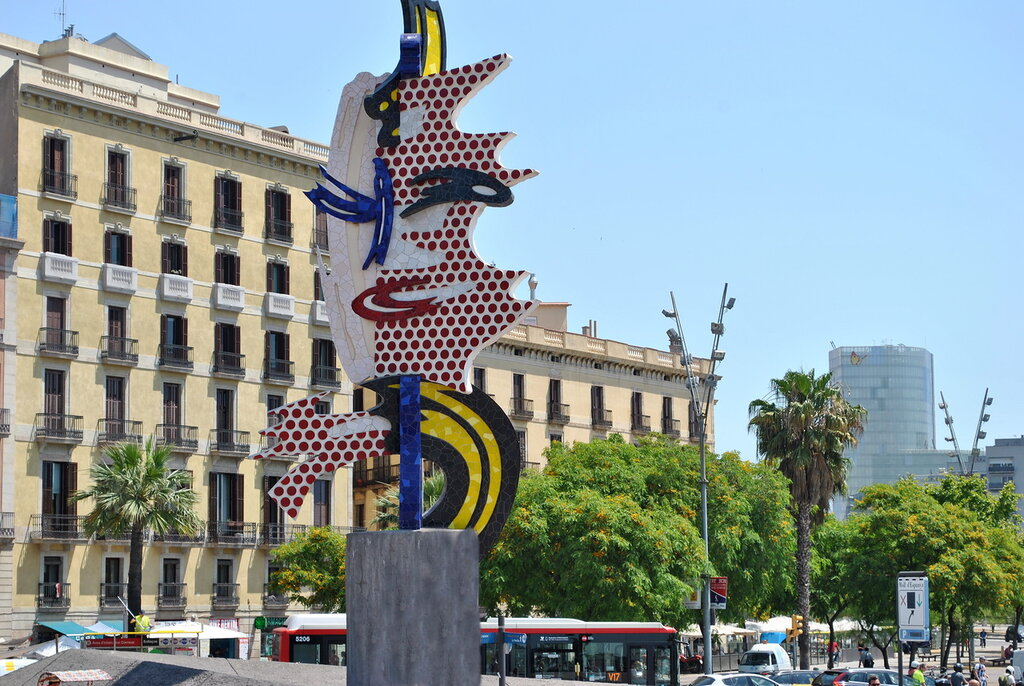 "A escultura ""Cabeça de Barcelona"""