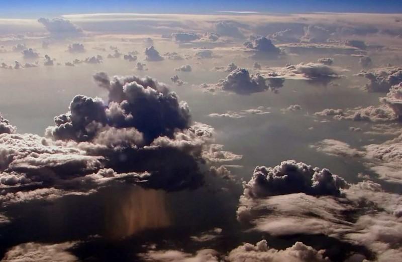 дождь вид сверху на облако