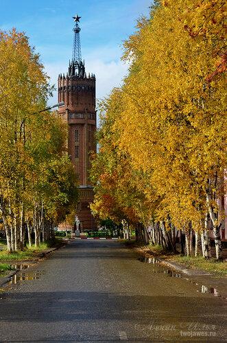 Фото города Инта №7245  Вид на водонапорную башню с улицы Полярной 16.09.2014_12:16